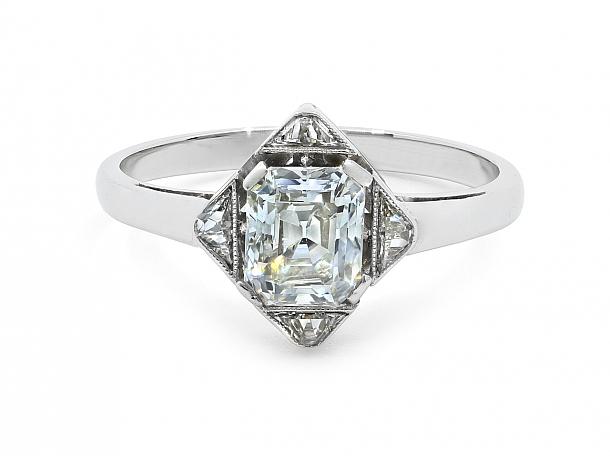 Art Deco Emerald-cut Diamond Ring in Platinum