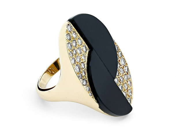 Onyx and Diamond Ring in 18K Gold