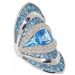 Blue Topaz and Diamond Ring in 18K