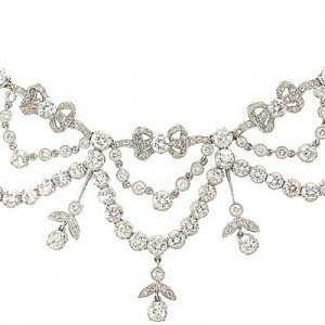 Diamond Garland Necklace in Platinum