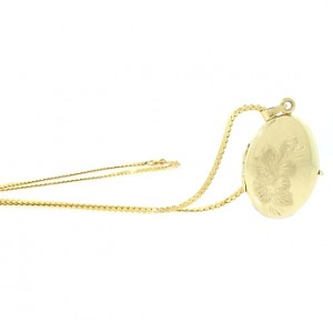 Vintage Oval Flower Locket in 14K