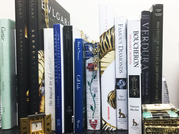 Holiday Gift Giving: Jewelry Books They'll Love and Cherish